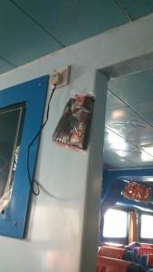 kantong kresek darurat buat penumpang yang mabuk laut